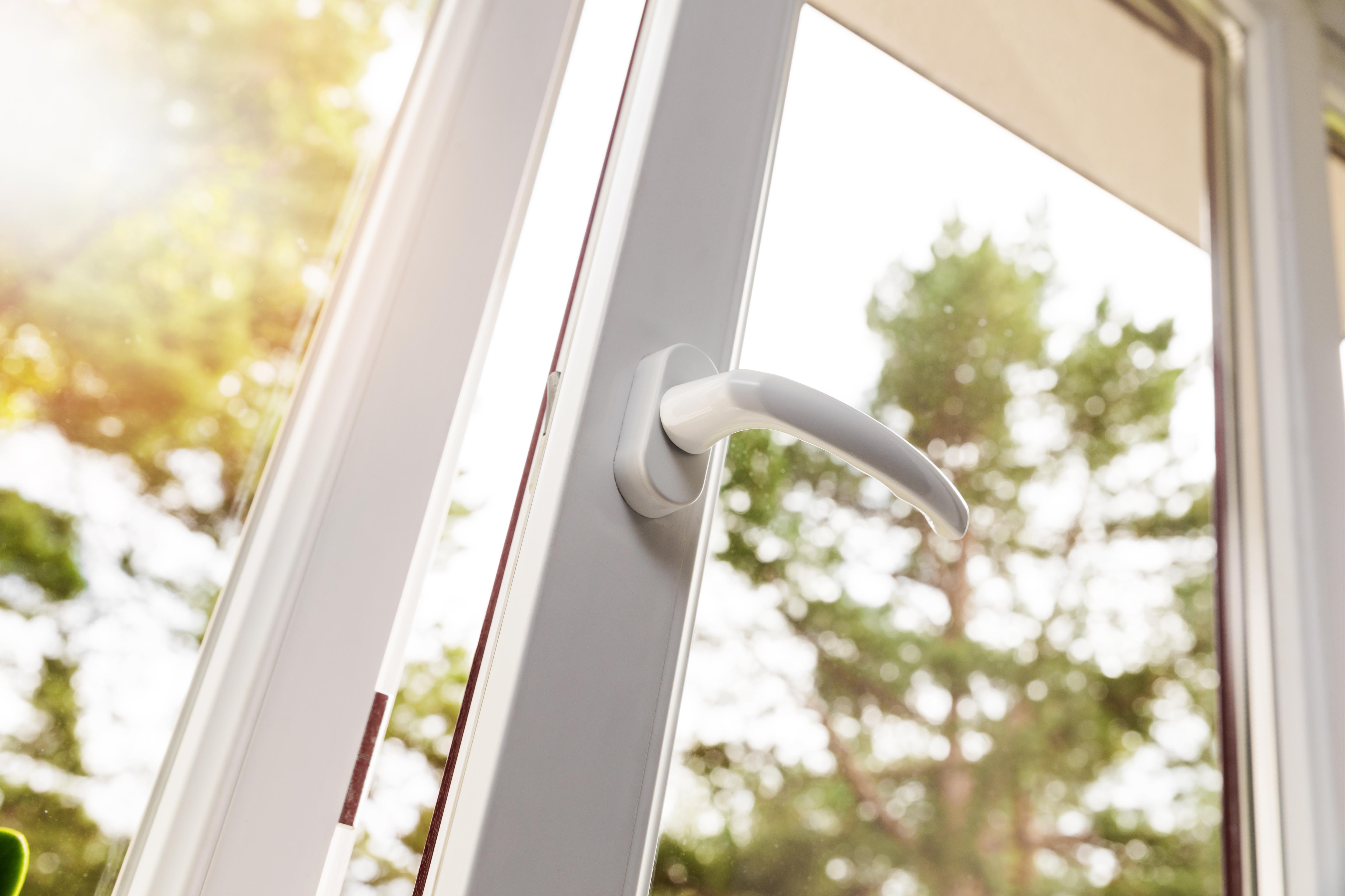 Fenstergriffe einbruchsicher machen - Das sagt Stiftung Warentest dazu