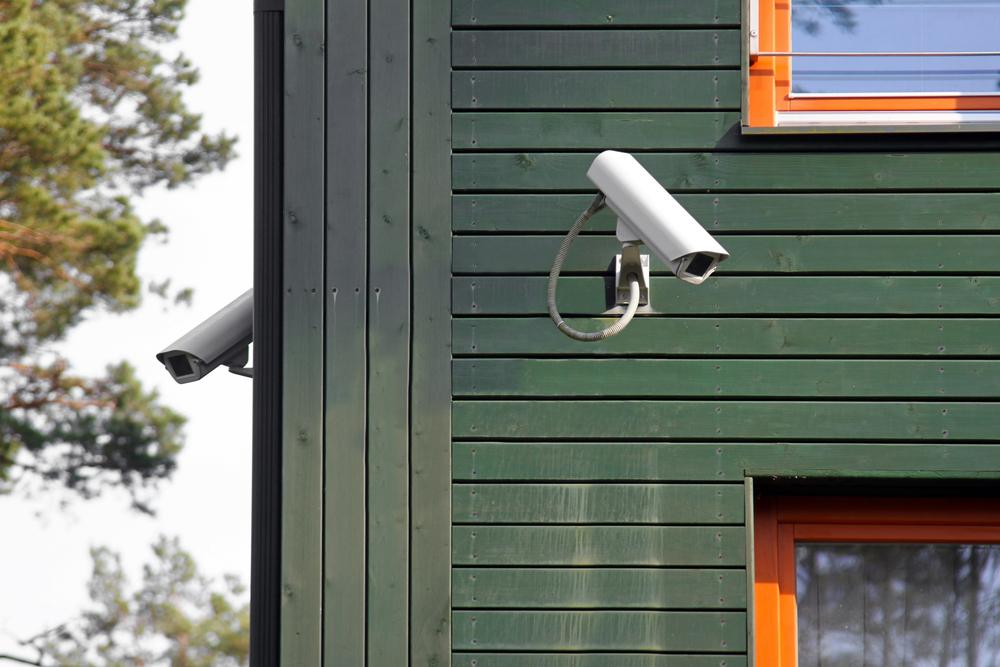 Eine Kamera überwacht das Gelände